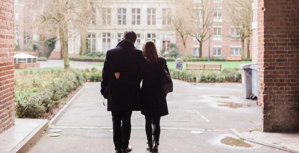 UNE SÉANCE PHOTO COUPLE DANS LE VIEUX-LILLE