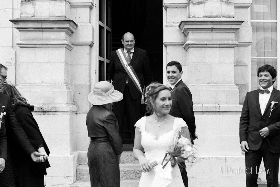 Mariage de Sophie & Olivier - Photo sur le vif à la mairie de Maroeuil