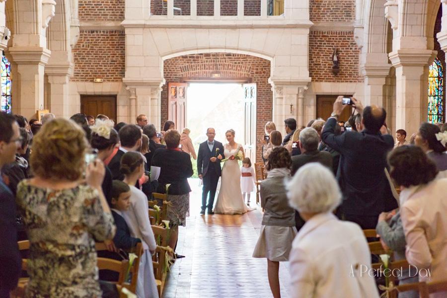 Mariage de Sophie & Olivier - l'entrée de ma mariée dans L'église