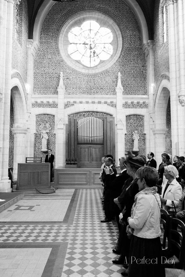 Mariage de Sophie & Olivier - prise de vue de l'intérieur de L'église de Maroeuil