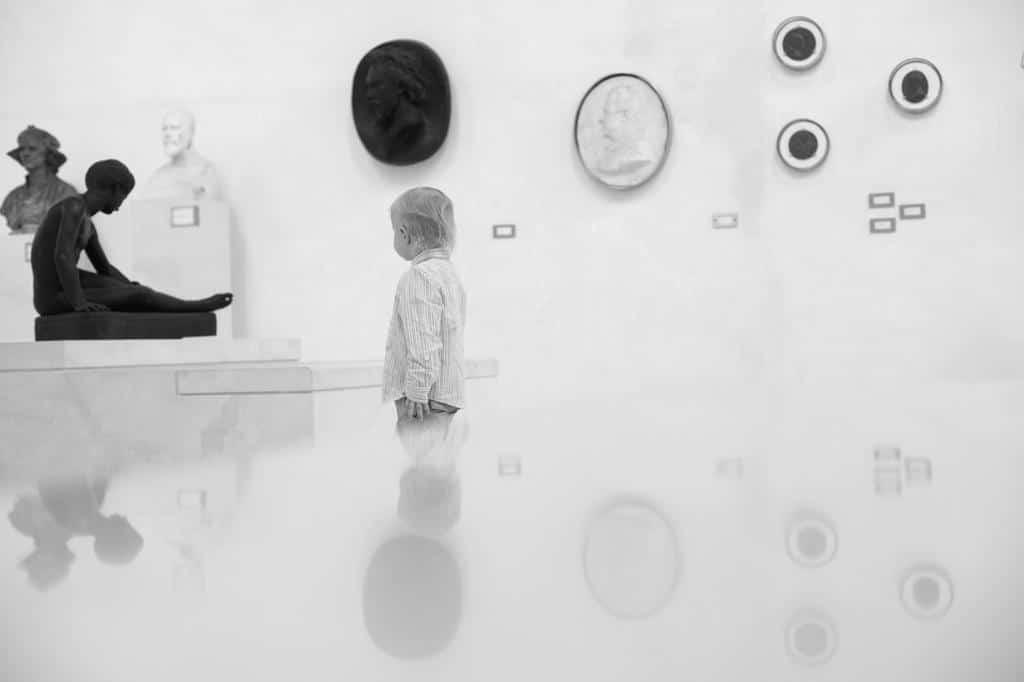 Une séance photo famille au musée