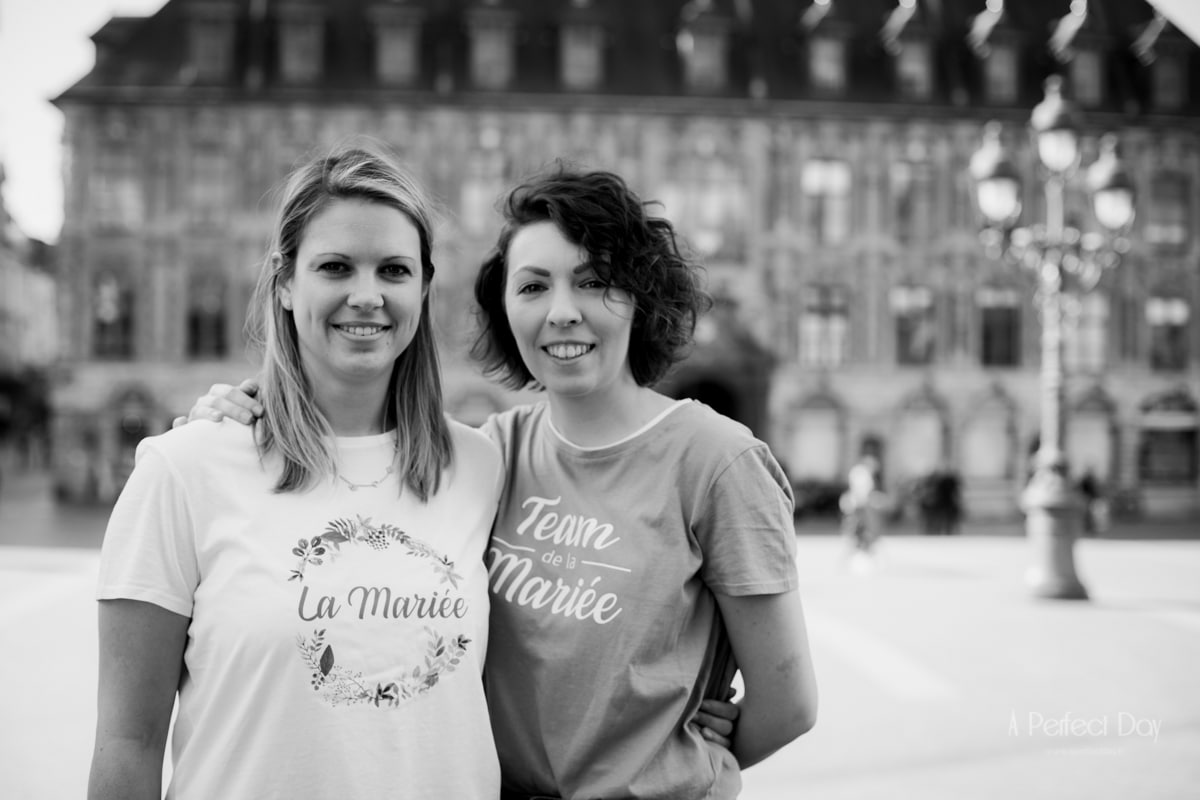 Portraits EVJF sur les marches de l'opéra de Lille