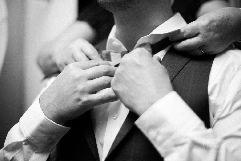 les préparatifs du marié avant la cérémonie
