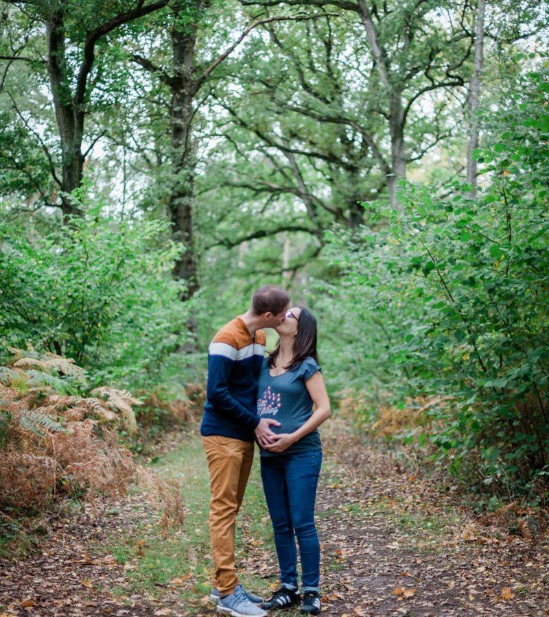 Shooting grossesse dans la forêt de Marchiennes