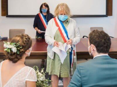 Photographie d'une cérémonie de mariage pendant le confinement